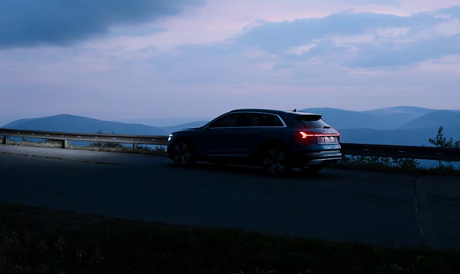 להפליא מכונית חשמלית - מוצר ללא פשרות - Audi LG-85